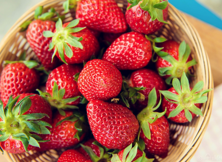 Strawberries_961340062.jpg
